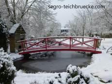 Teichbrücke Eifel, Marke segro® Aluminium, rot, Winter
